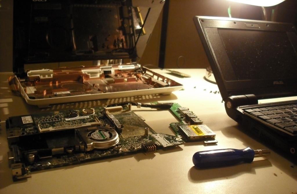 Oprava a čištění netbooku Acer Aspire Praha