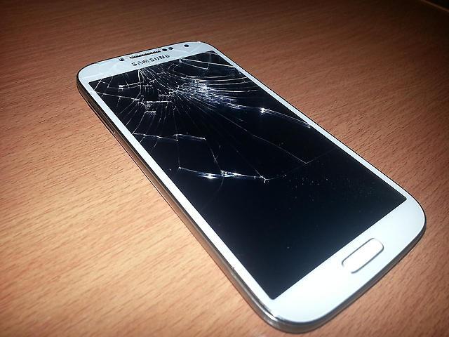 Oprava Samsung S4 - Praha 4